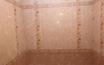 Укладка плитки на стены ванной