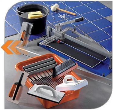 инструмент плиточика