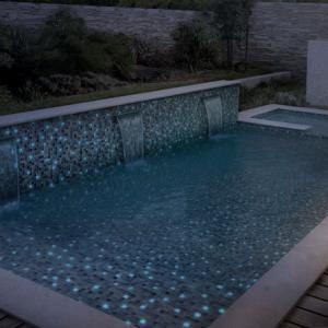 мозаика для бассейна во дворе