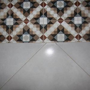 Укладка комбинированной плитки